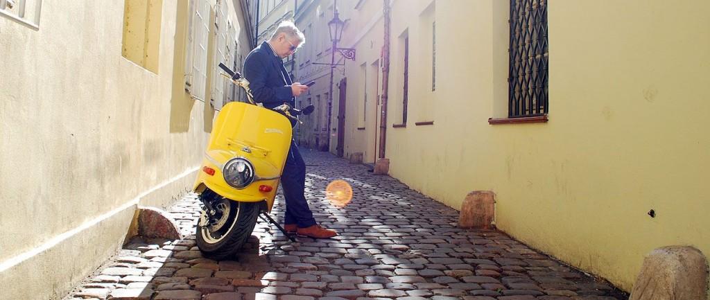 Cezeta Type 506_On the city streets of Prague
