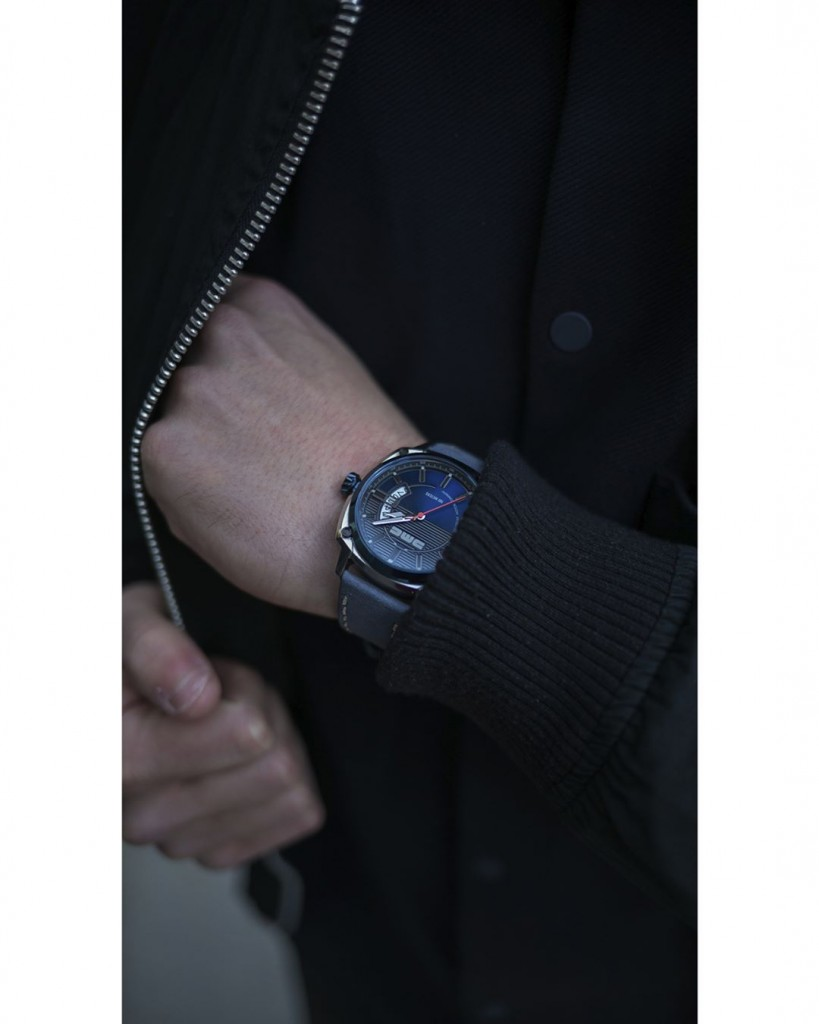 Accents and details have been carefully chosen to reflect the components of the classic DMC-12 #dmcwatches #dmcwatch #watch #watches #wristwatch #fashion #style #mensfashion #menswear #timepiece #instawatch #dailywatch #wristwatch #watchfam #deloreanmotorcompany #belfast #stainlesssteel #delorean #dmc
