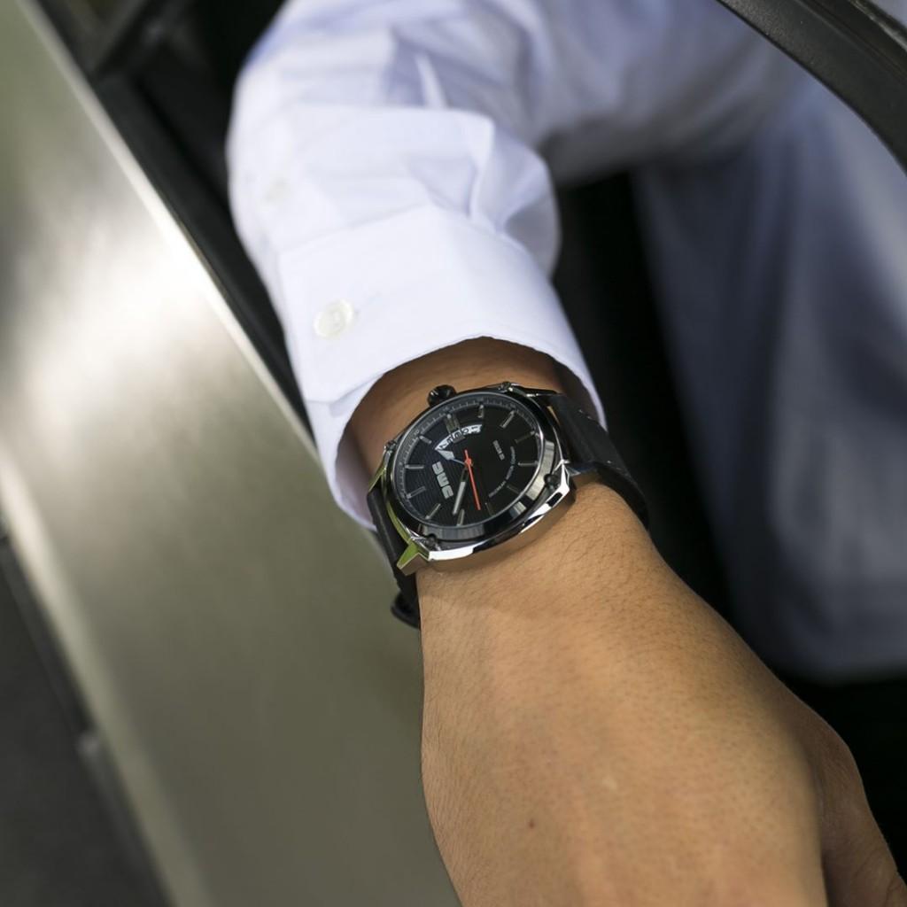 The DMC blue watch, effortless elegance. #dmcwatches #dmcwatch #watch #watches #wristwatch #fashion #style #mensfashion #menswear #timepiece #instawatch #dailywatch #wristwatch #watchfam #deloreanmotorcompany #belfast #stainlesssteel #delorean #dmc