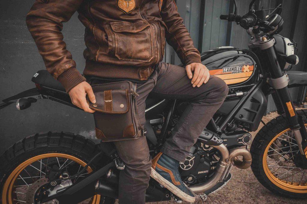 sacoche de jambe, accessoire moto de marque ARTOVEL