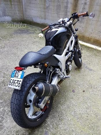 moto SUZUKI SV-650 transformé en café racer