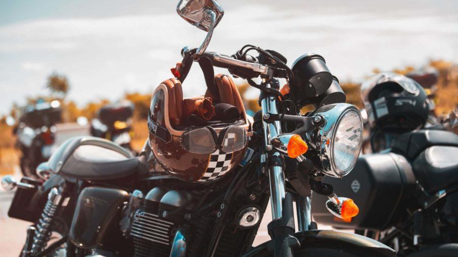 moto-vintage-casque-moto (1)-min